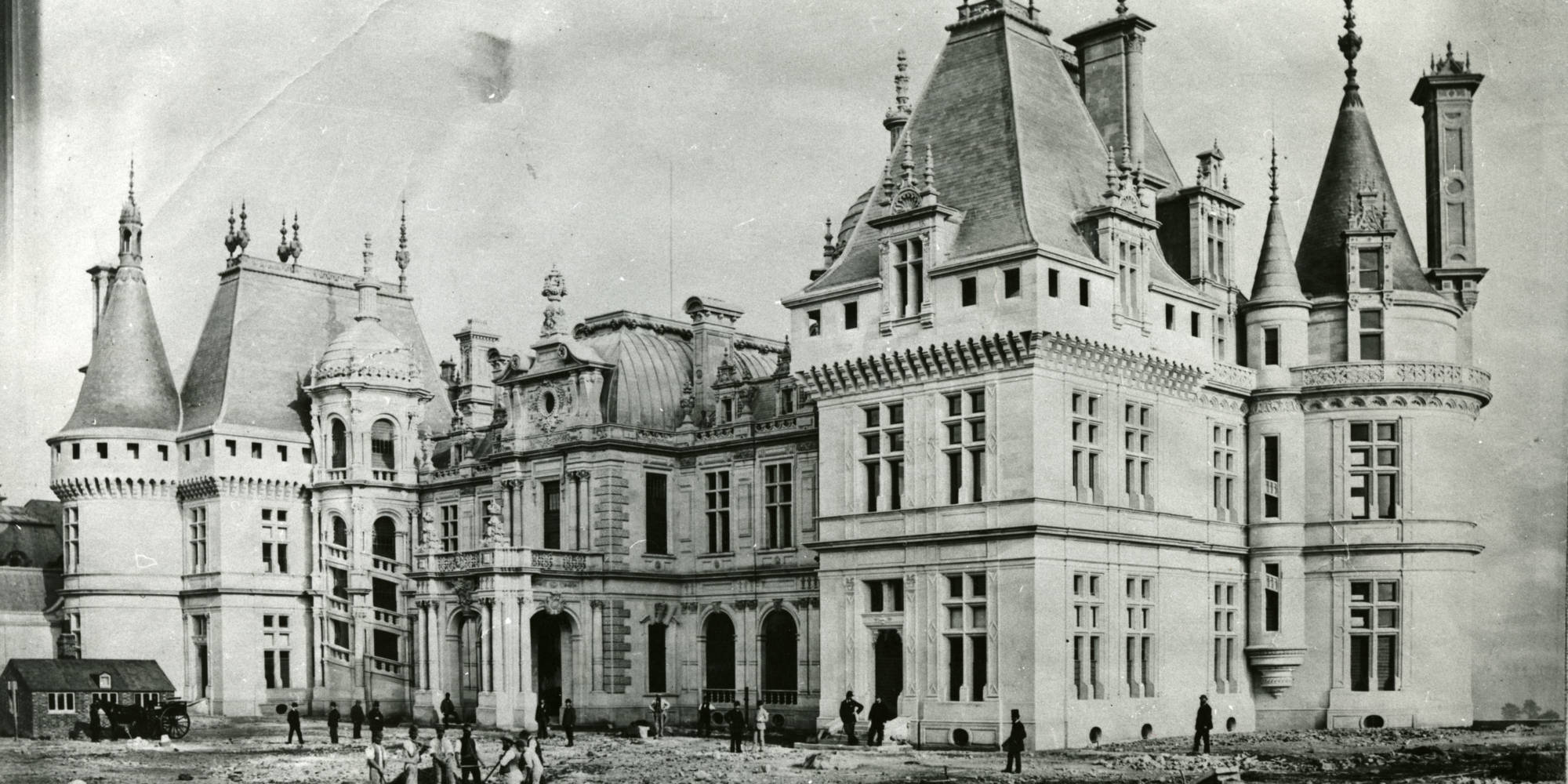 Waddesdon nearing completion in 1883, before the addition of the Morning Room wing