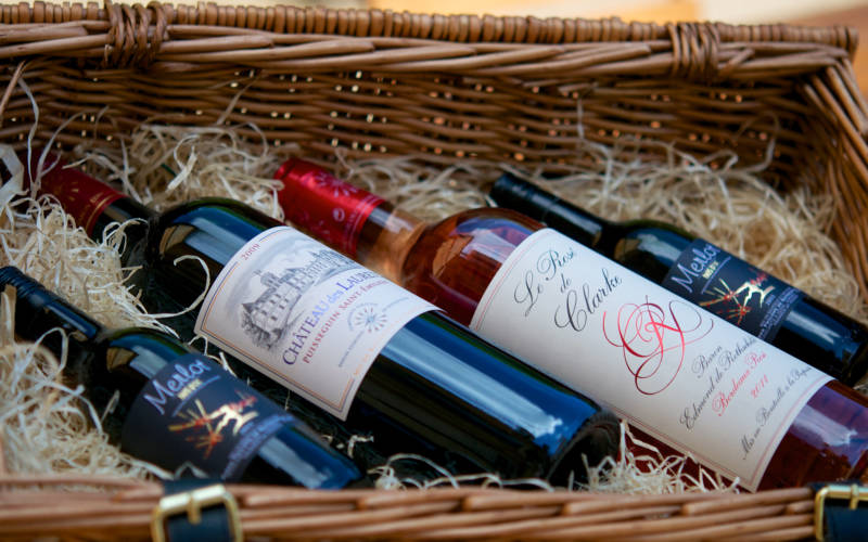 Shop-Red-wines-in-basket-lifestyle-300x1875