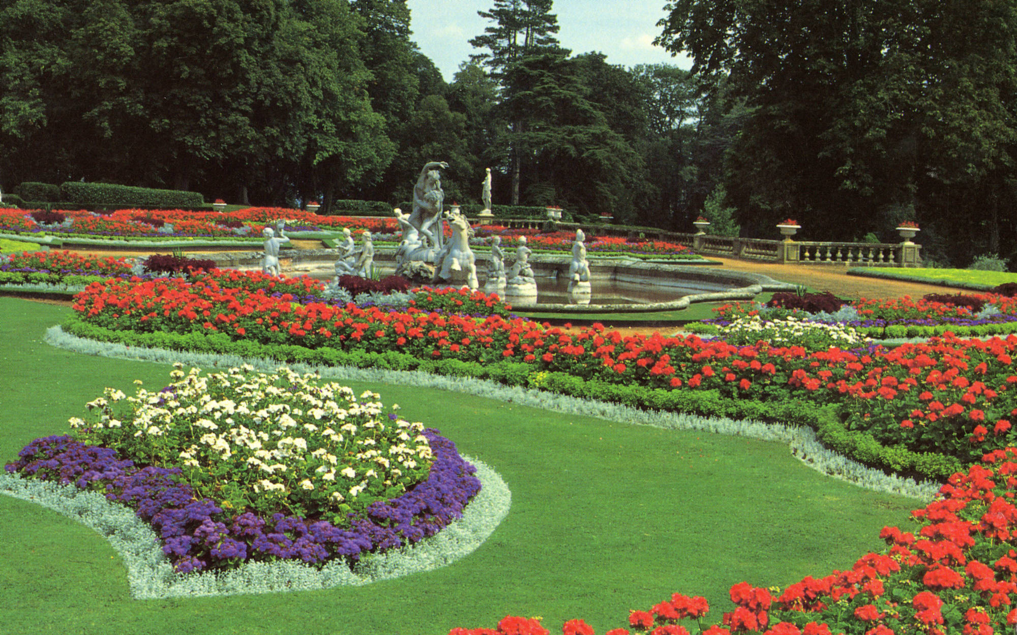 The parterre after restoration in 1994