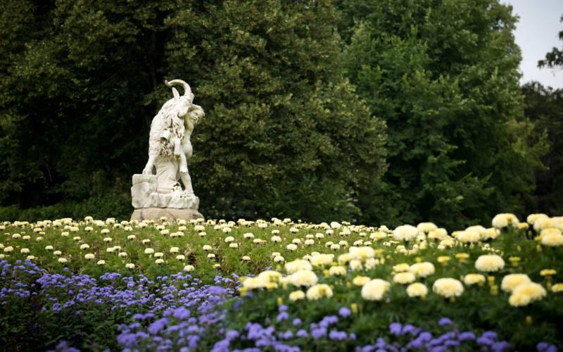 Garden-statue-Derek-Pelling-3000x1875