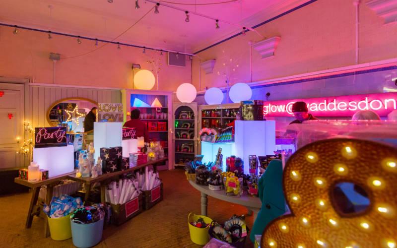 christmas-2016-glow-shop-waddesdon-chris-lacey-3000x1875