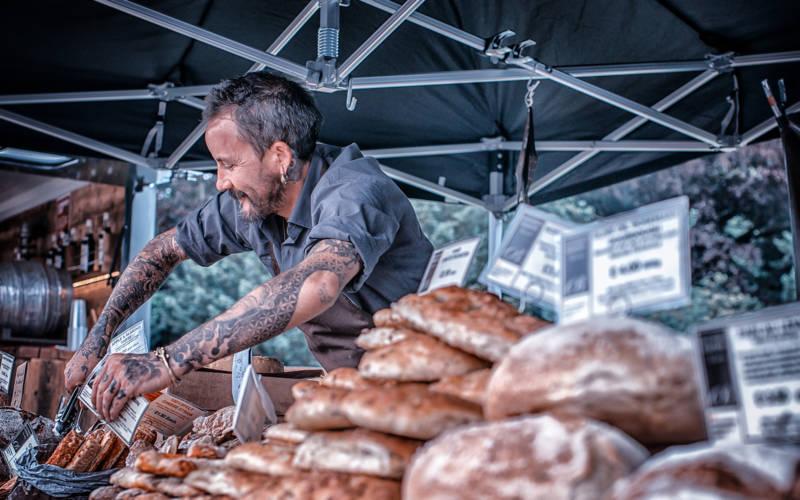 feast-trader-bread-300-1875