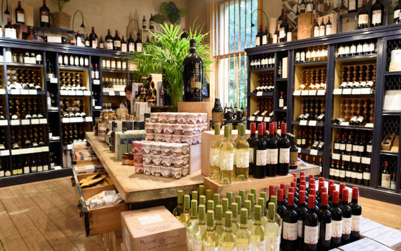 wine-shop-bottle-display-pascale-cumberbatch-3000-1875