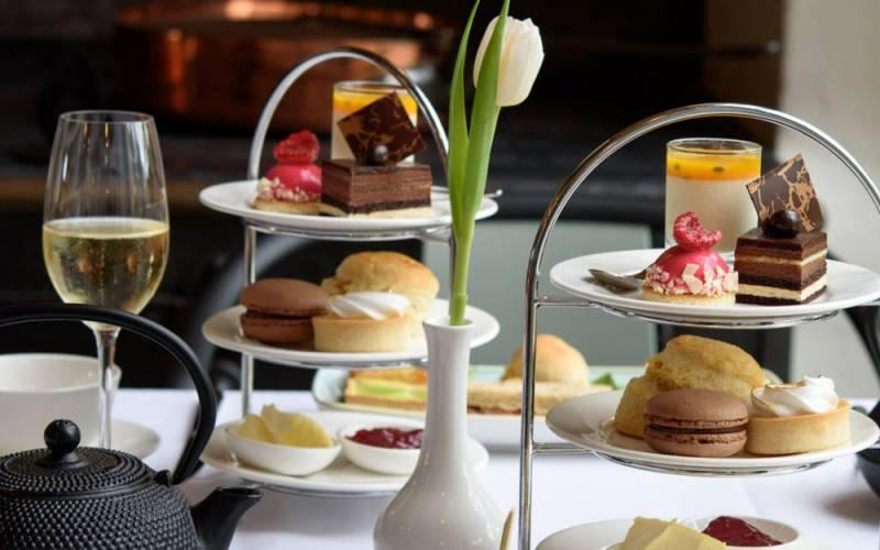 manor-restaurant-afternoon-tea-1000-625-kathy-chantler