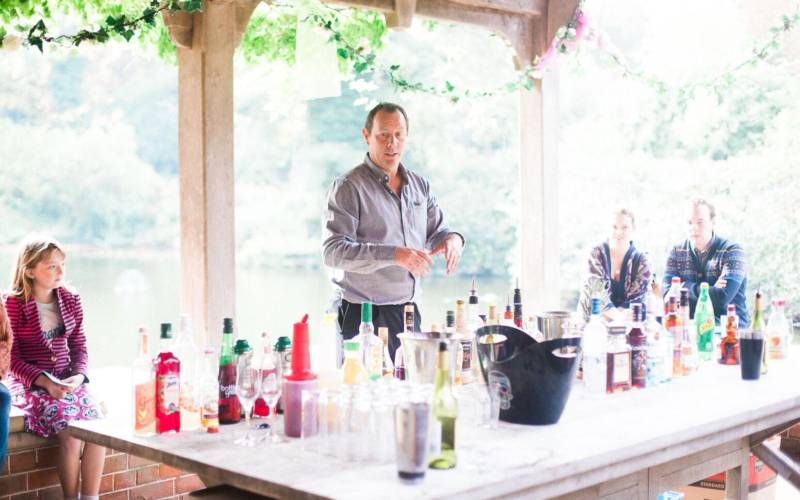 Wedding-Cocktail-making-class-with-the-Cocktailmaker-Waddesdon