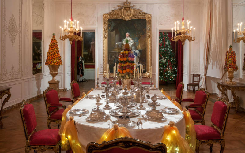 christmas-dining-room-table-2015-fear-3000-1875