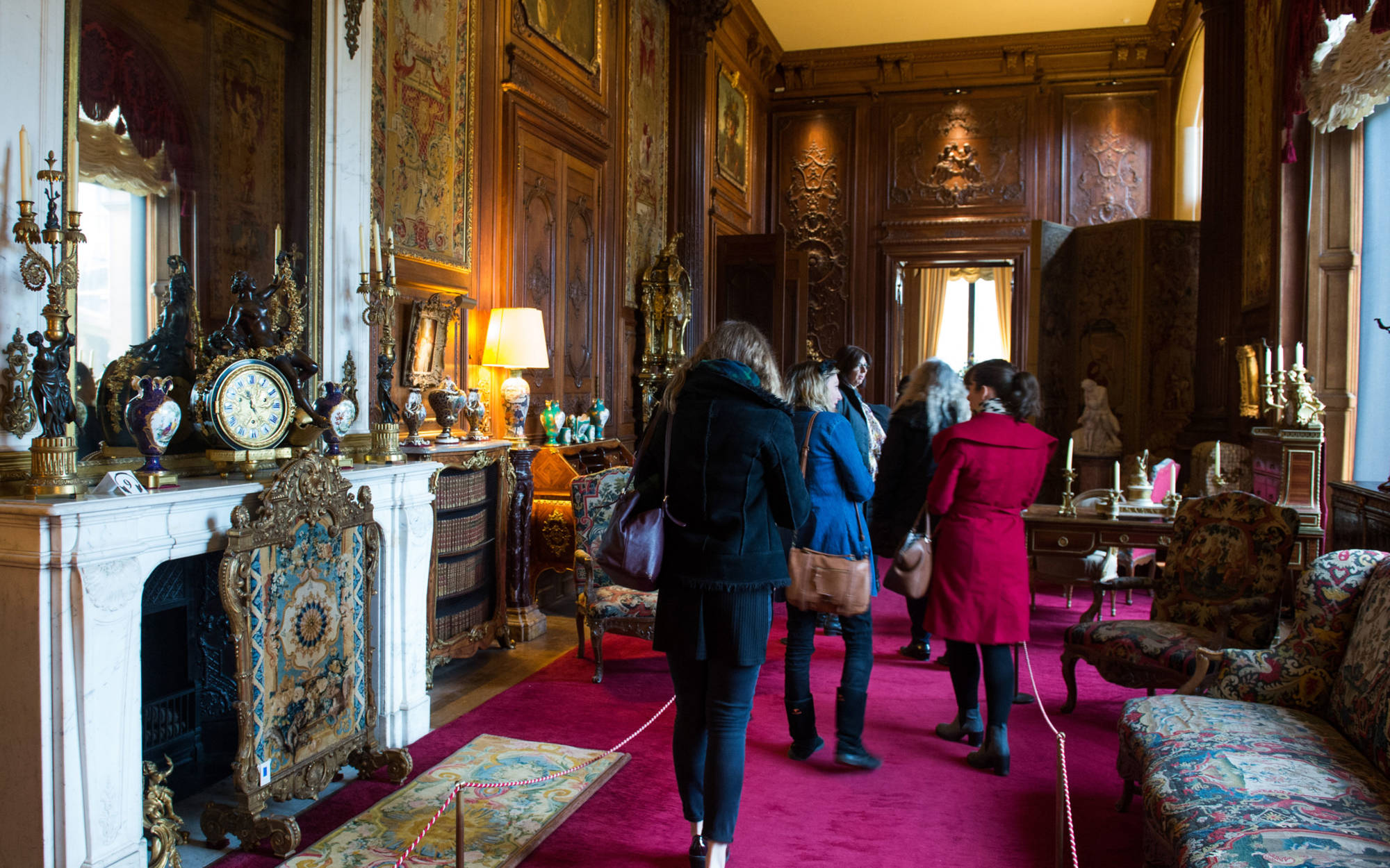 A group touring the East Gallery