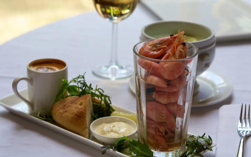 Prawns-manor-restaurant-summer-3000x1875