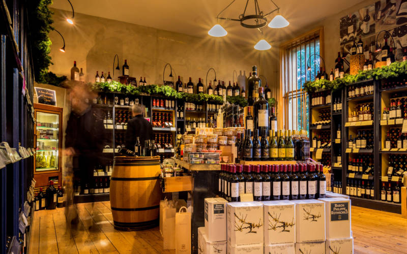 wine-shop-christmsa-display-2015-3000-1875