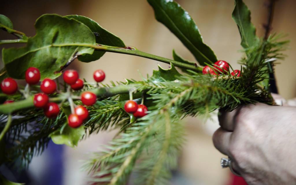 Christmas Wreath Making And Decorations Waddesdon Manor