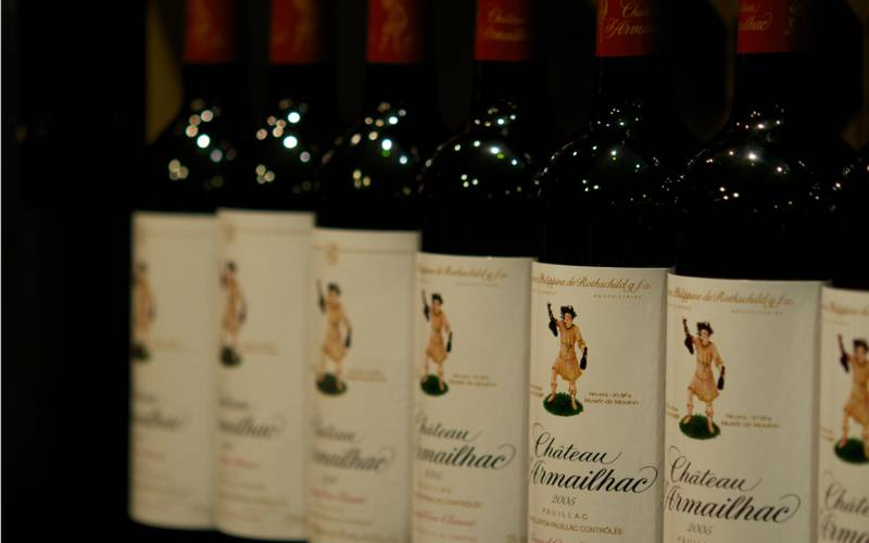 Shop-Chateau-Armailhac-red-wine-lifestyle-3000x1875-web