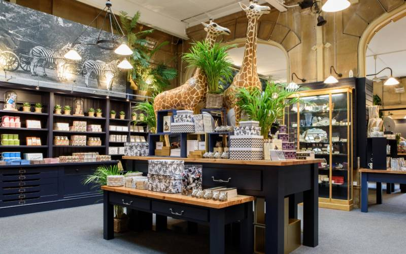 shop-manor-shop-interior-gifts-giraffe-3000-1875