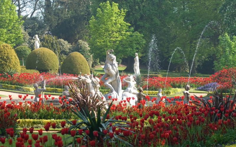 Explore the gardens - Waddesdon Manor