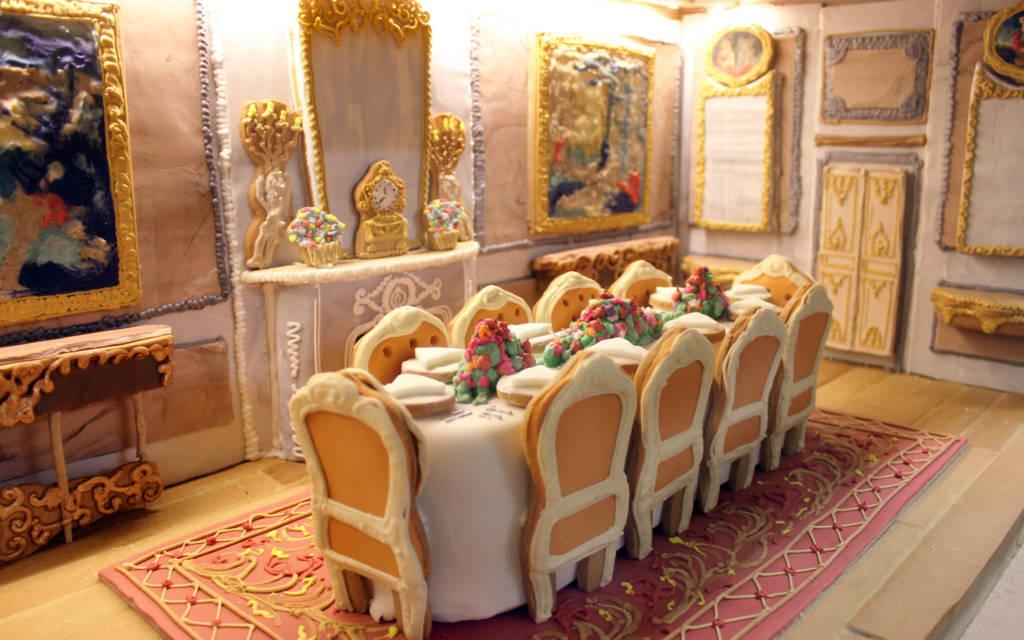 Biscuiteers Waddesdon Manor In Gingerbread Waddesdon Manor