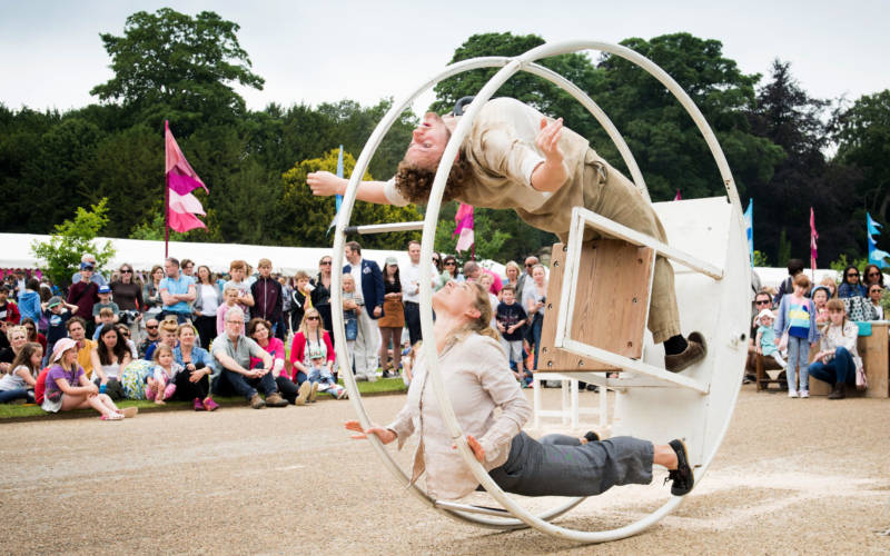 feast-2016-wheel-acrobatics-3000-1875-pelling