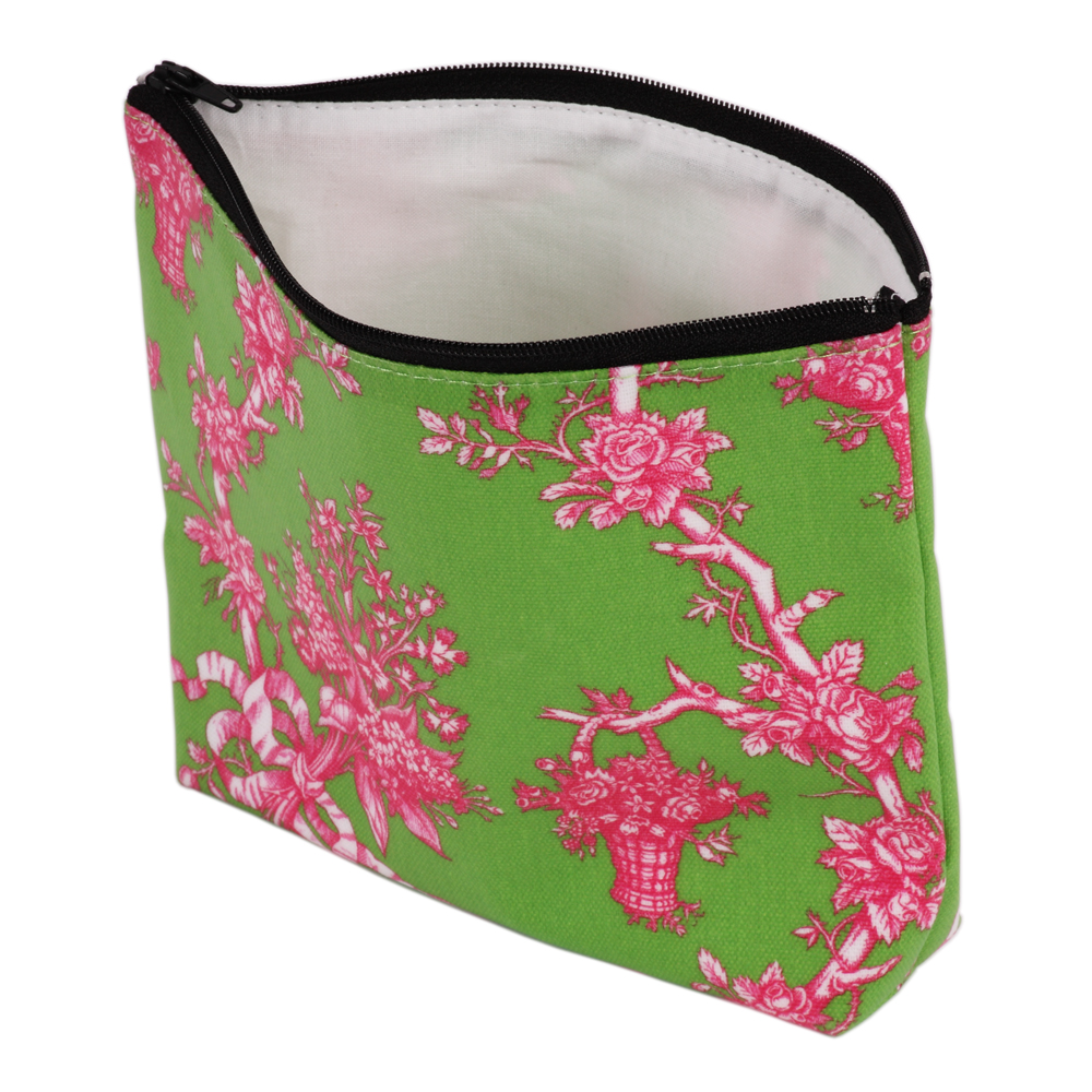 shop-gifts-silk-dining-room-personal-accessories-curtains-oilcloth-make-up-bag-IMG_8568