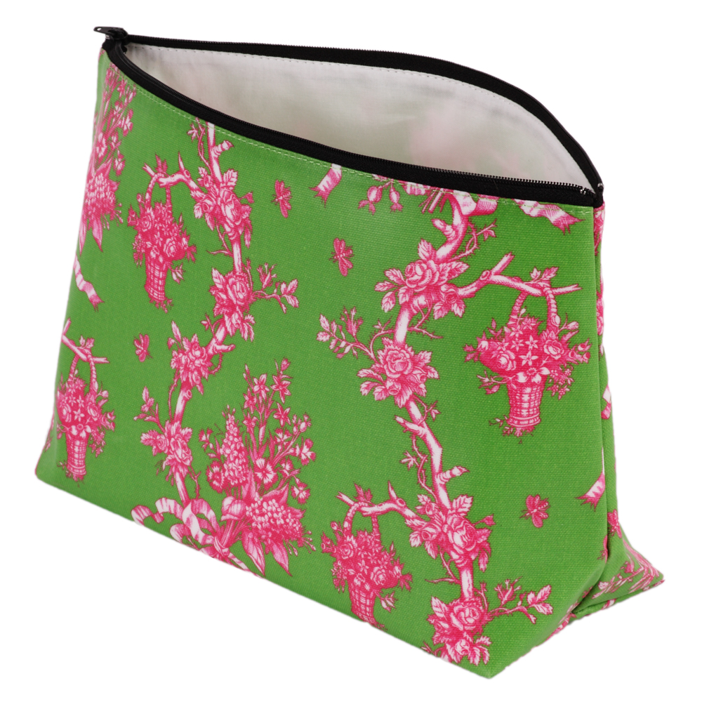 shop-gifts-silk-dining-room-personal-accessories-curtains-oilcloth-wash-bag-IMG_8564