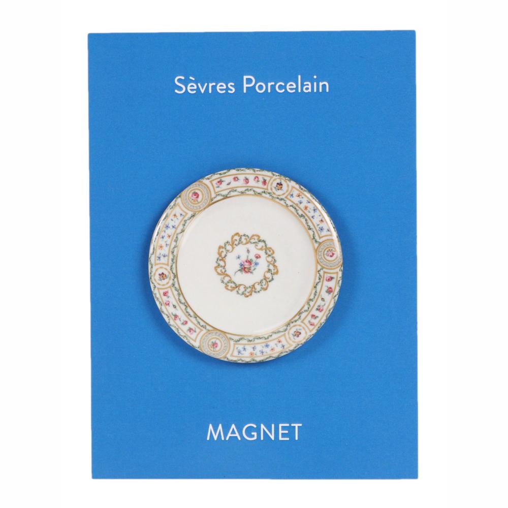 shop-gift-sevres-flower-round-magnet-1000-1000