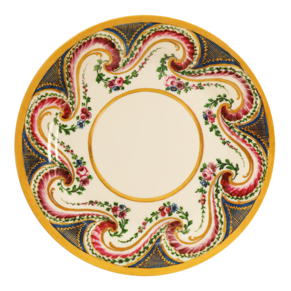 shop-homeware-plate-sevres-swirl-1000-1000