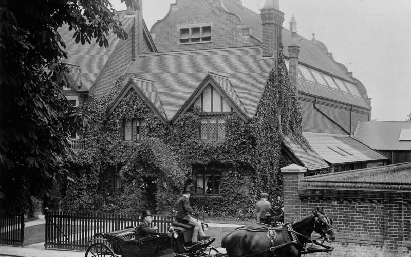 Natural-History-Museum-Tring-1899-Archive-3000-2300