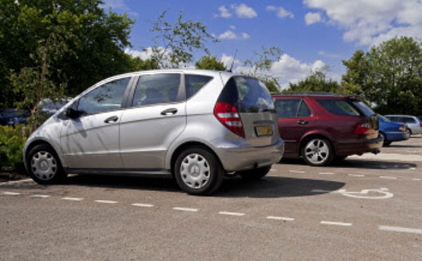 disabled-car-park-space-ntimages-robert-morris-600-4001