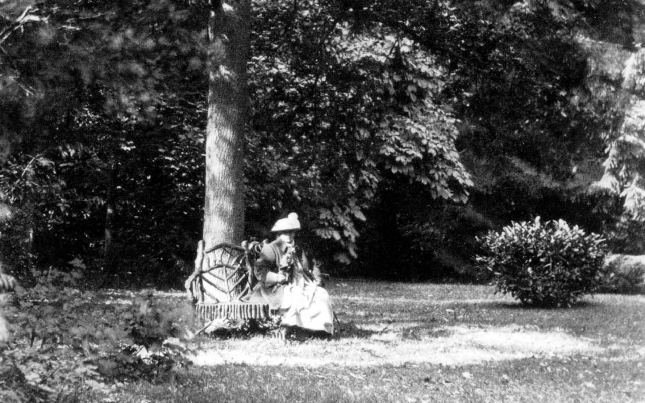 Alice de Rothschild in old age
