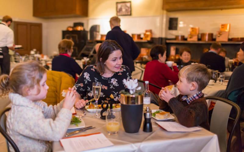 manor-restaurant-childrens-menu-3000-1875-chris-lacey