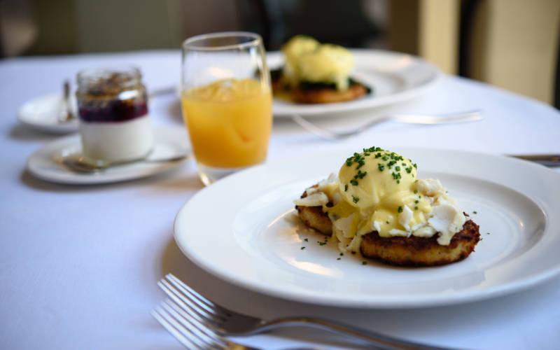eggs-benedict-manor-restaurant-brunch-3000x1875-pascale-cumberbatch