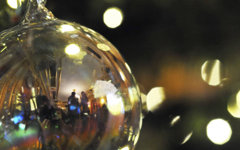 christmas-bauble-nt-images-john-millar
