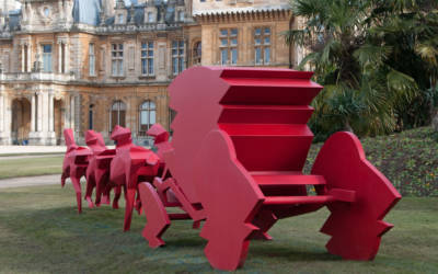 Le Carrosse (Red Carriage)