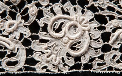 Italian lace, 1675-1725