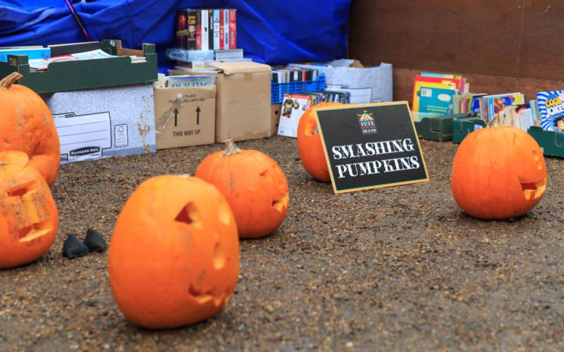 halloween-games-smashing-pumpkins-adam-hollier-3000-1875
