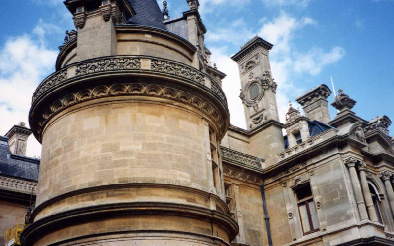 Manor-exterior-view-National-Trust-Waddesdon-Manor-Barbara-Ballard