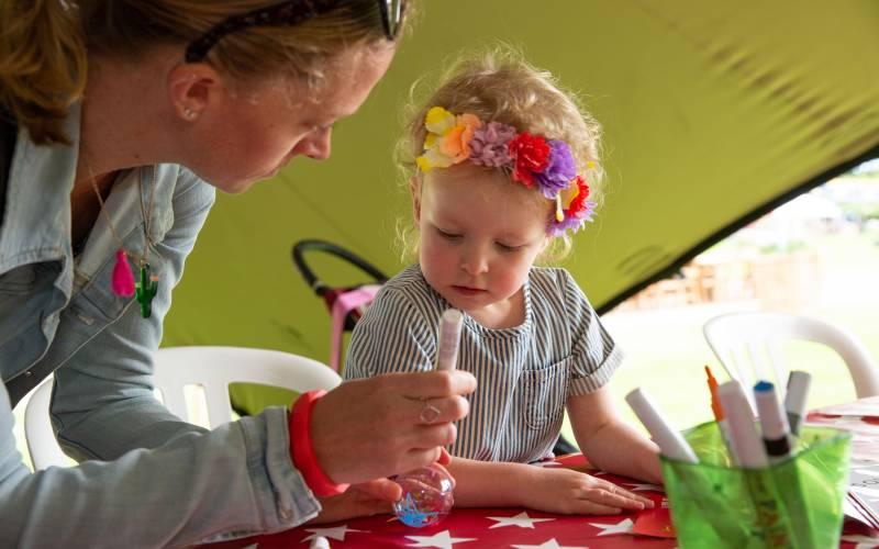 Kids-craft-activities-Summer-Fest-Adam-Hollier-3000-1875
