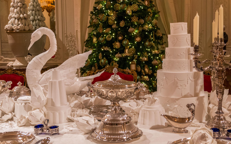 White drawing room at christmas