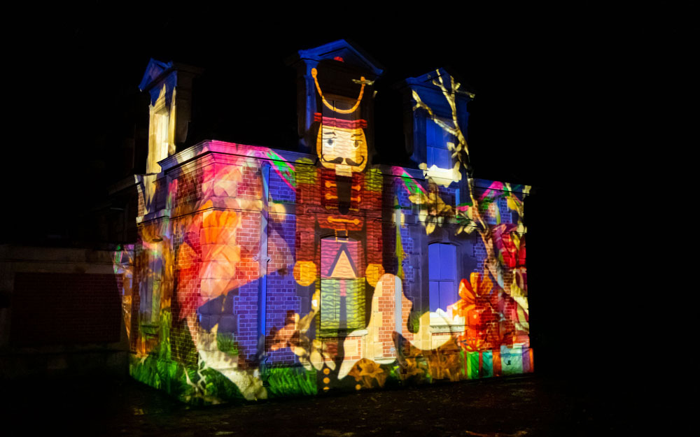 Stables projection christmas