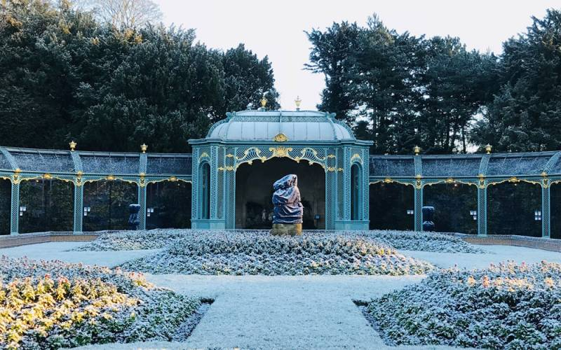 frosty-aviary-garden-1000-625-olivia-parker