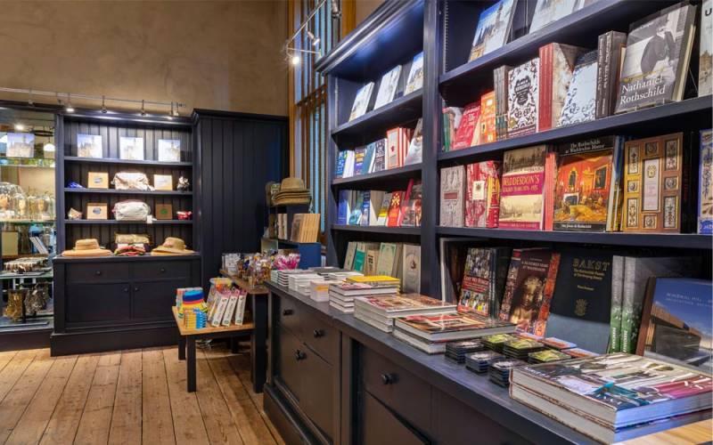 shop-interior-books-1000x625