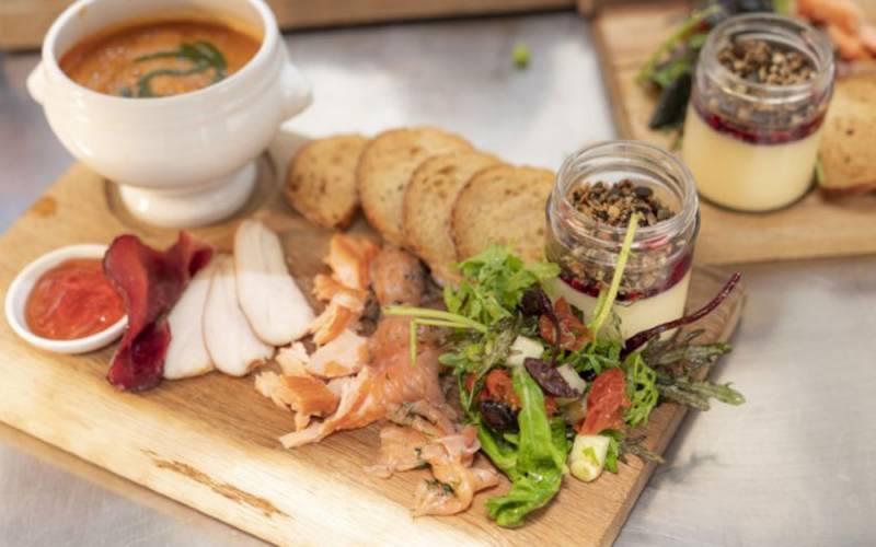 manor-restaurant-starter-1000-625-simon-heritage