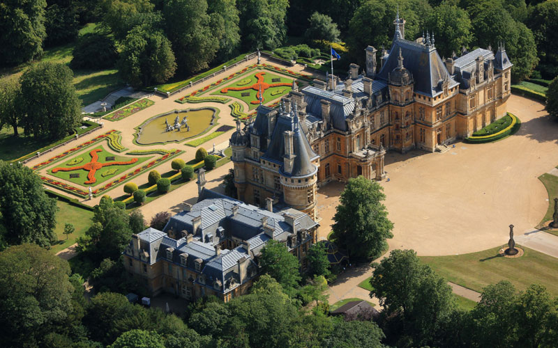 Manor-aerial-parterre-summer-800-500