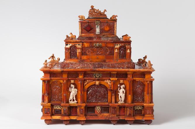 Amber casket