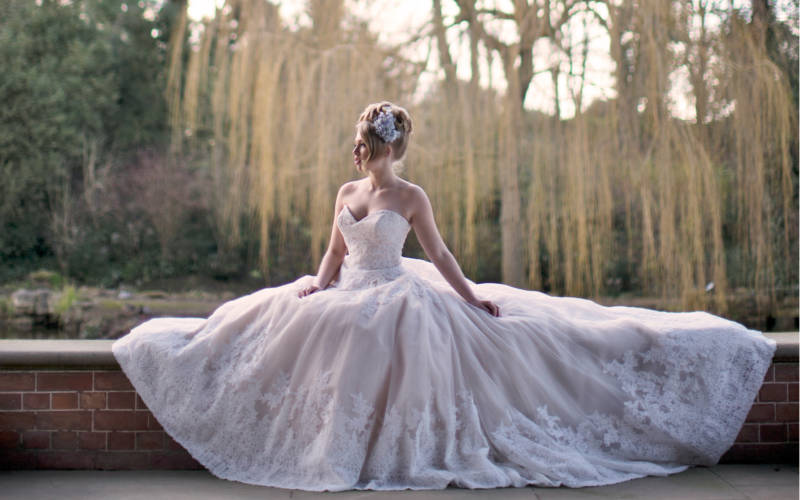 Weddings-Dairy-Lakeside-Bride-3000x1875