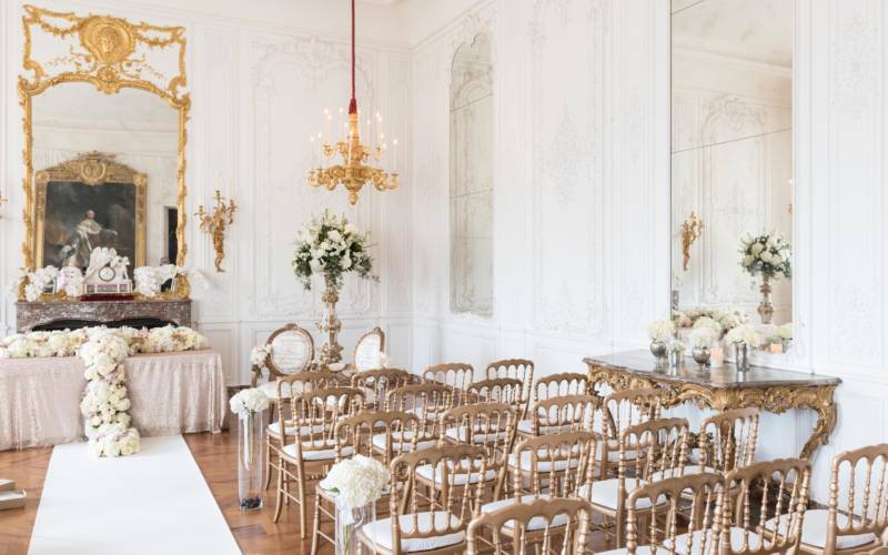Weddings-manor-white-room-aisle-3000x1875