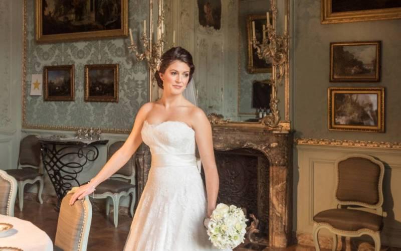 weddings-manor-bride-blue-room-1015x634