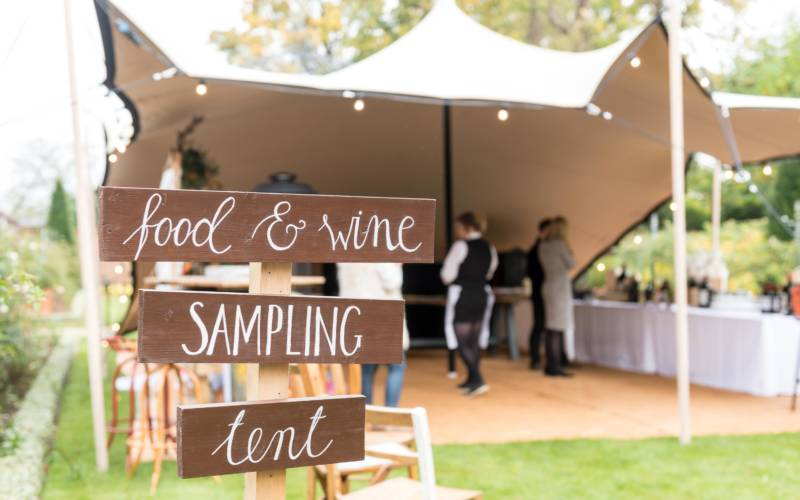 Wedding-inspiration-Food-tent-3000-1875
