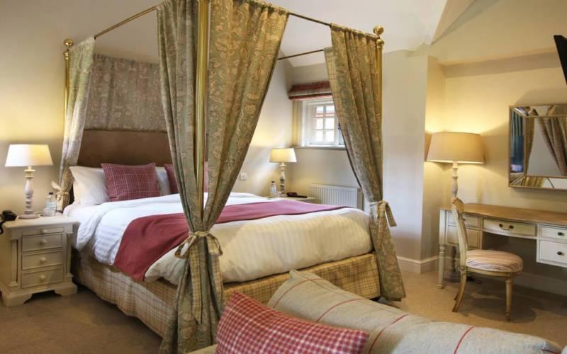 Five-Arrows-Double-bedroom-room10-1024x640