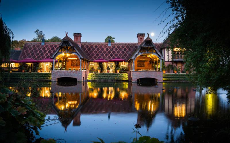 LesleySteve-Wedding-Dairy-Night-External-©David-Bostock-Photography.