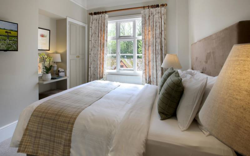 Hotel-room-1-wright-3000x1875