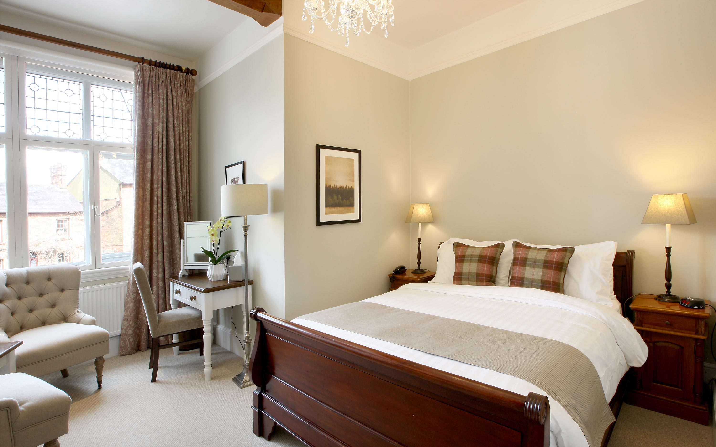 Five Arrows Hotel Bedroom