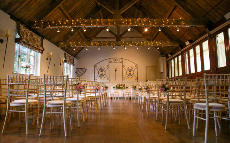 Weddings-FiveArrows-Old-Coach-House-1000-625-all-people-photography